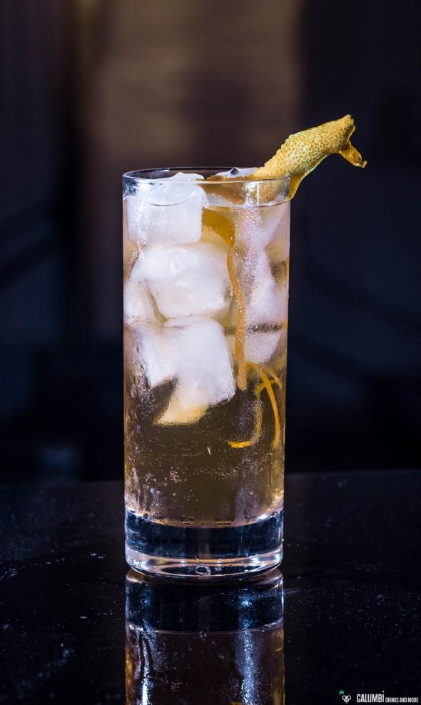 Ein Horse's Neck mit Gin als Basisspirituose
